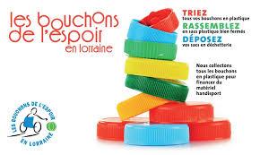 Collectons les bouchons en plastique pour aider le handicap !